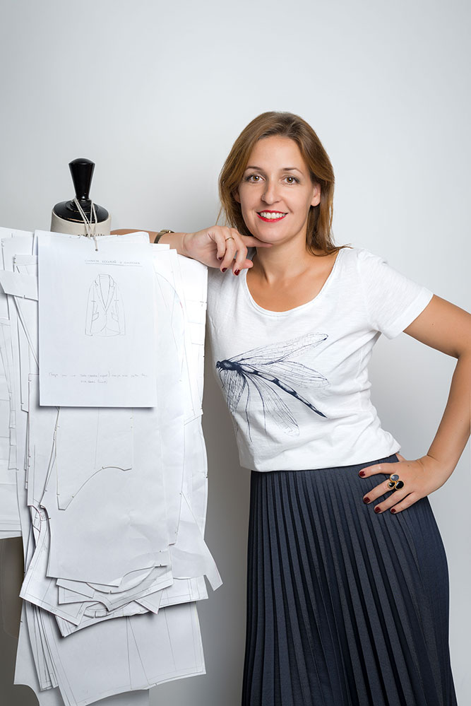 Carmen Cruz - Diseñadora creativa - Azul Marino Casi Negro